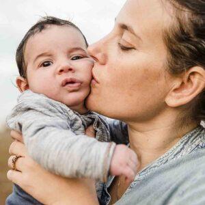 צילומי אימהות – מפגש צילום תיעודי של אמהות וקטנטנים