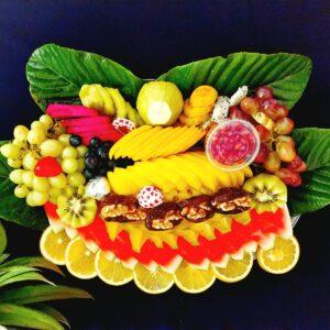 מגש פירות של קייץ