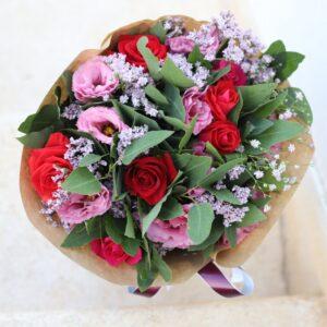 זר ורדים מתוק ויפהפה