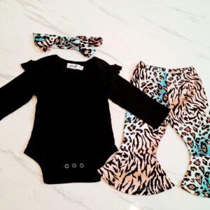 בגדי תינוקות – חליפה לתינוקת דגם אן